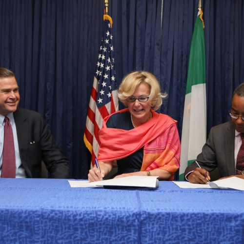 U.S. Government Signs $469 Million Nigeria HIV/AIDS operation plan